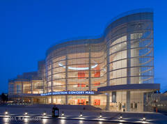 Segerstrom, concert hall, evening, Cesar Pelli