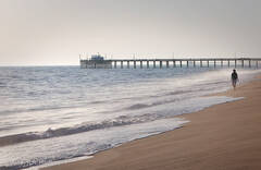 Balboa Pier, surf, Newport Beach, walker